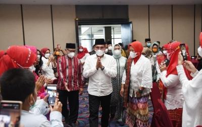 Edy Rahmayadi Obati Kerinduan Perantau Asal Sumut di Maluku Utara
