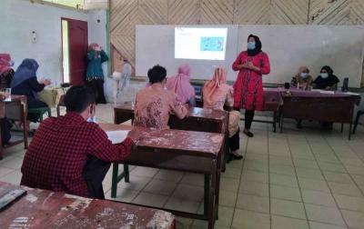 Dosen Unimed Beri Pelatihan Kepada Guru Mts Alwashliyah