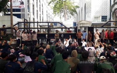 Wakil Rakyat Terima dan Kirimkan Aspirasi Mahasiswa ke Pusat