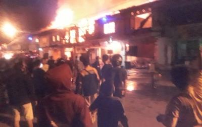 10 Unit Rumah Toko di Kota Lubukpakam Terbakar