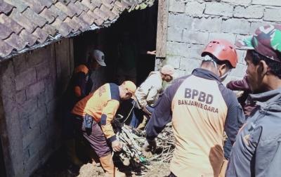 Tim Gabungan Lakukan Upaya Penanganan Longsor di Banjarnegara
