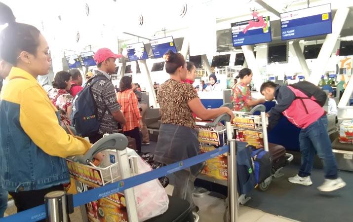 penumpang-keluhkan-harga-tiket-pesawat-mahal