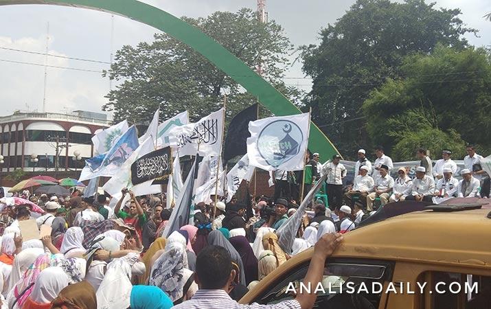 pengunjuk-rasa-meminta-jaga-ketertiban-dan-keamanan-di-pemilu-2019