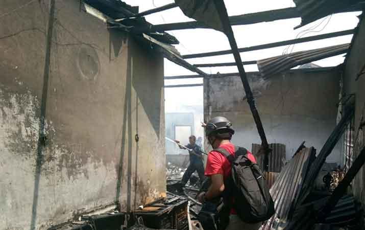 satu-unit-rumah-terbakar-di-jalan-sei-wampu