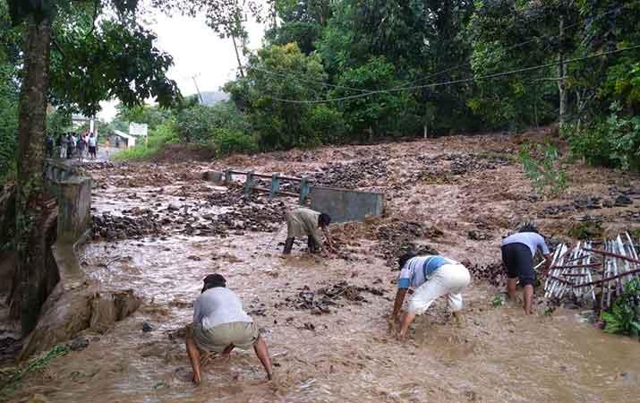 banjir-bandang-di-samosir-empat-rumah-rusak-dan-satu-orang-hilang