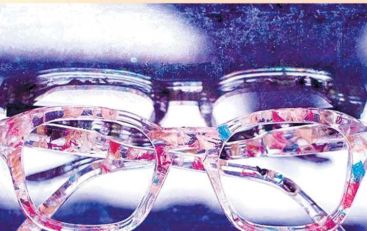 kacamata-dari-skateboard-bekas-tembus-amerika