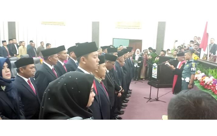25-anggota-dprk-asil-dilantik