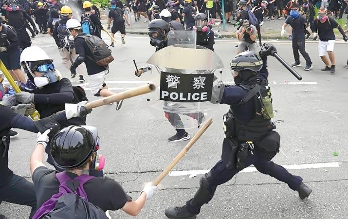 polisi-hong-kong-bentrok-dengan-demonstran