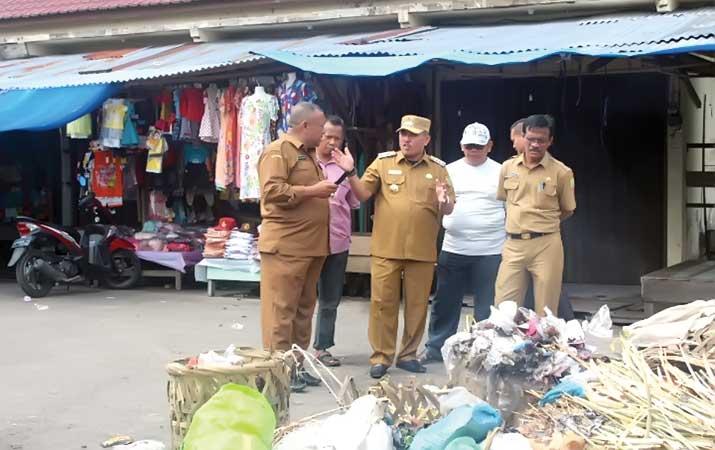 sampah-menumpuk-di-pasar-harian-subulussalam