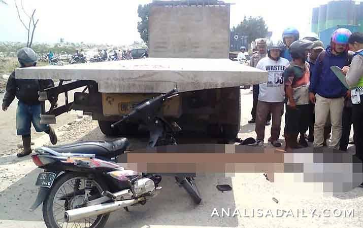 tabrak-truk-berhenti-seorang-pemuda-tewas-di-simpang-gabion