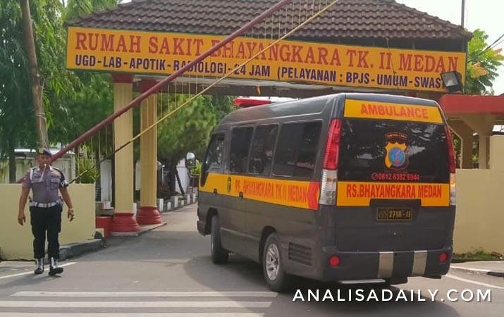 ambulans-tiba-di-rs-bhayangkara-berisi-jenazah-terduga-teroris