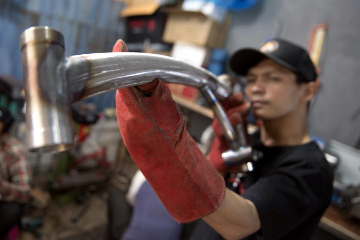 Foto Produksi Sepeda Lipat Kreuz Ekonomi